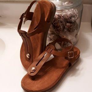 BAMBOO Kiki Platform Sandals